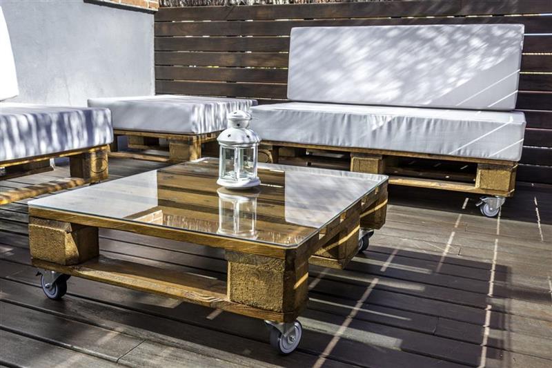 mesa de centro de pallet com vidro