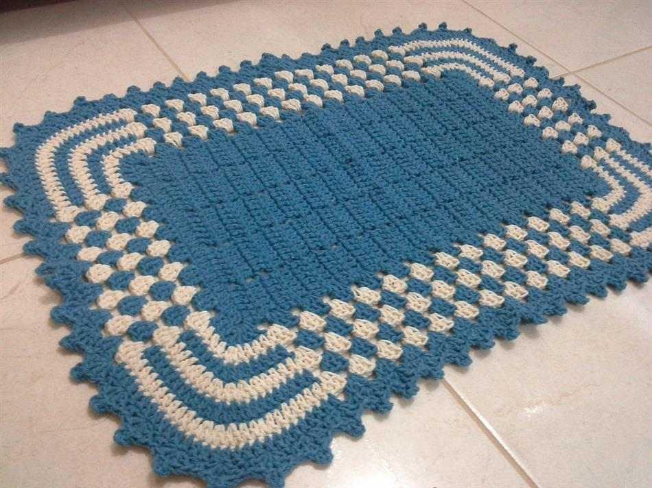 tapete retangular de crochê bicolor