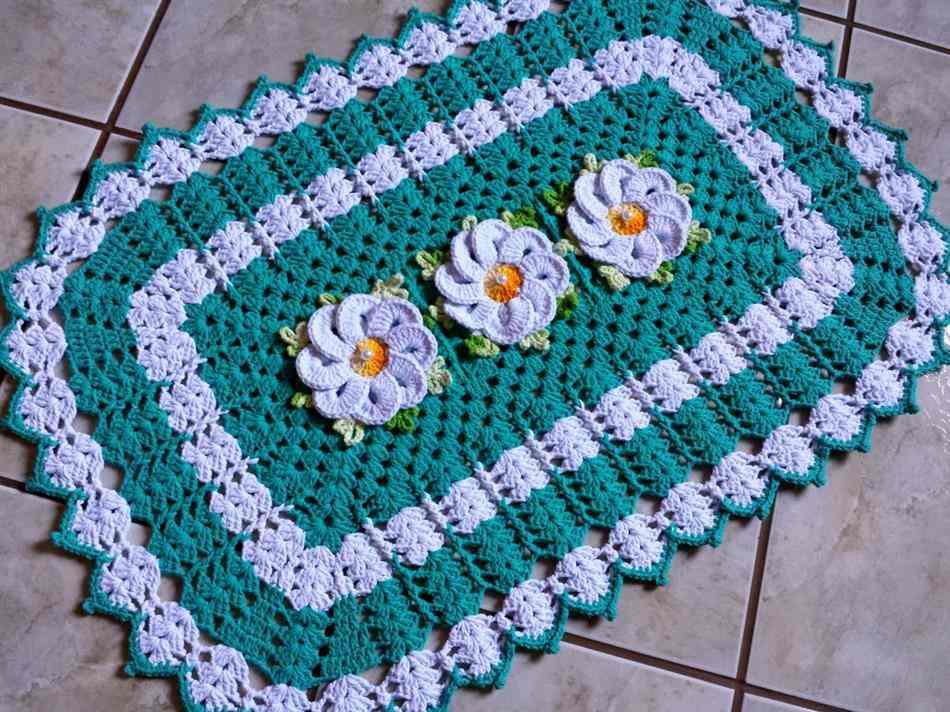 tapete de croche com flores