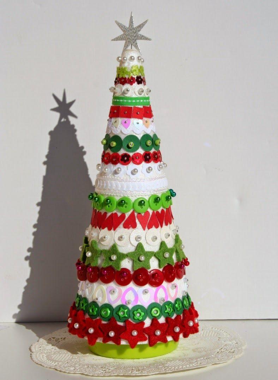 de cone de isopor decorado