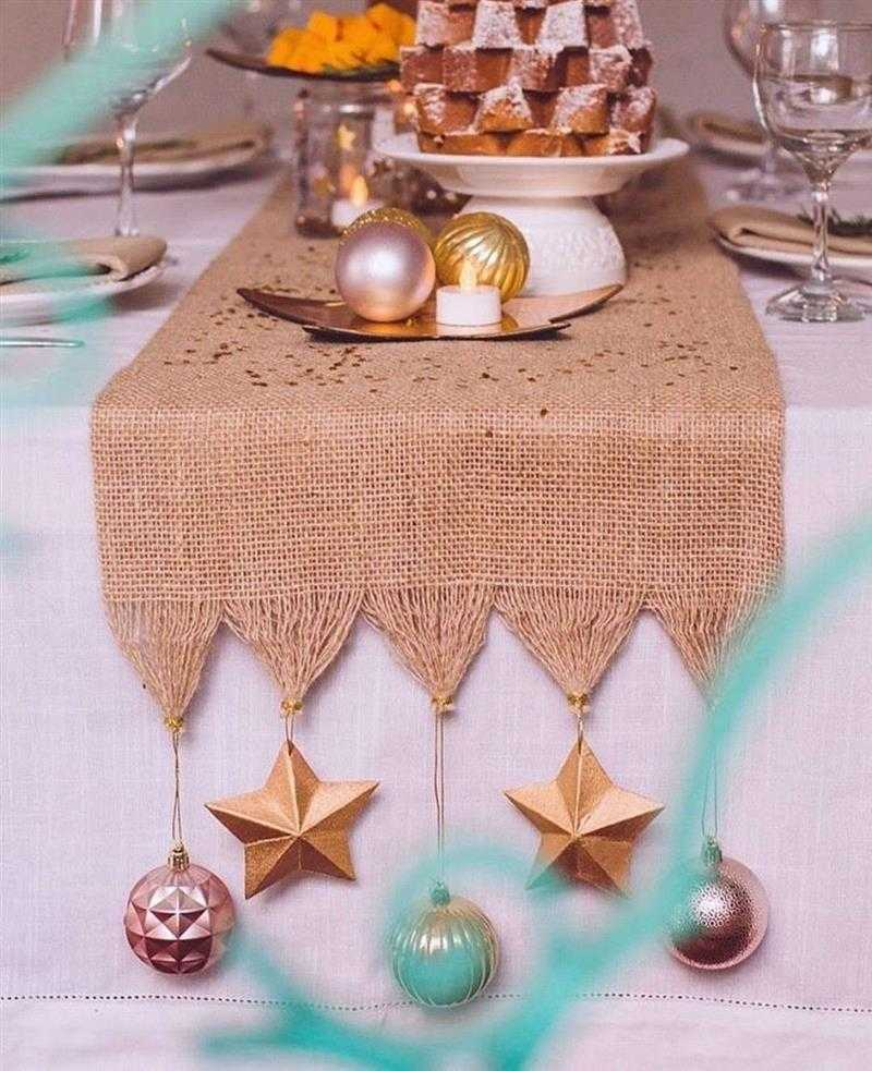 Caminho de mesa de Natal rústico