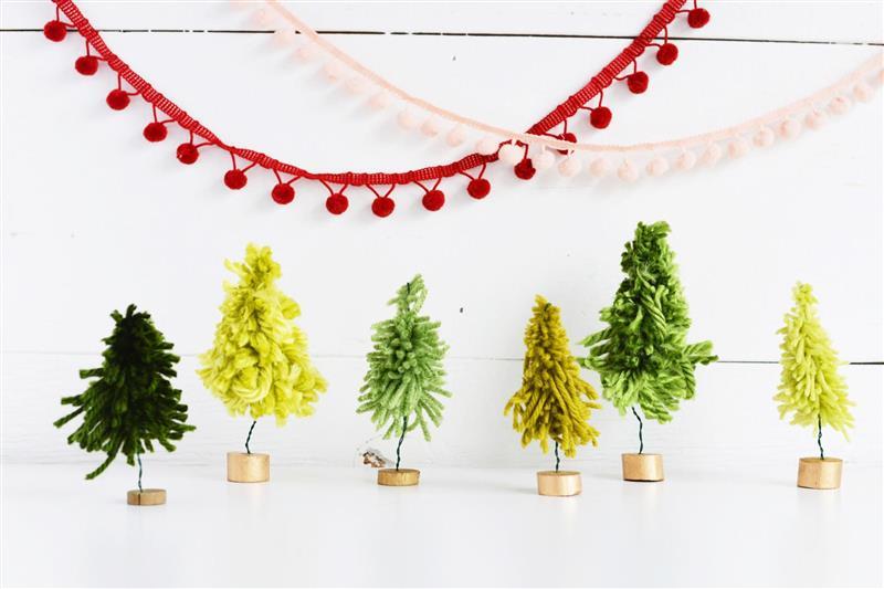 Mini árvore de Natal de lã