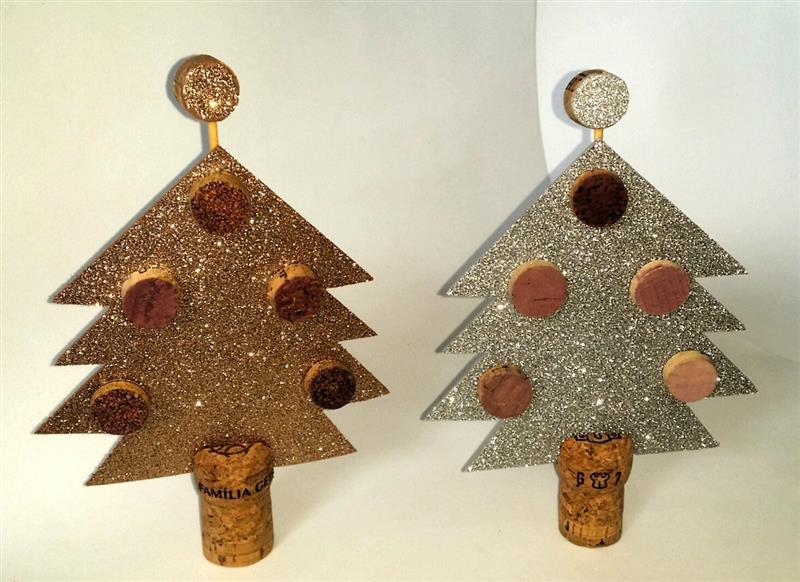 Árvore de Natal de EVA e rolhas