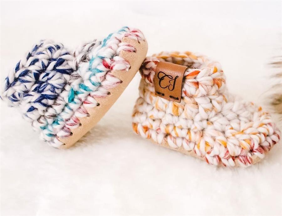 sapatinho de crochê com lã