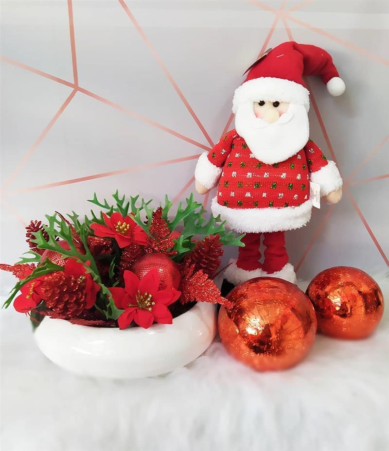 Decoração com Papai Noel de tecido