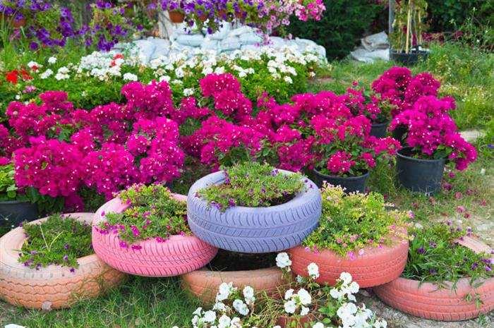 decoração de jardim com pneus velhos