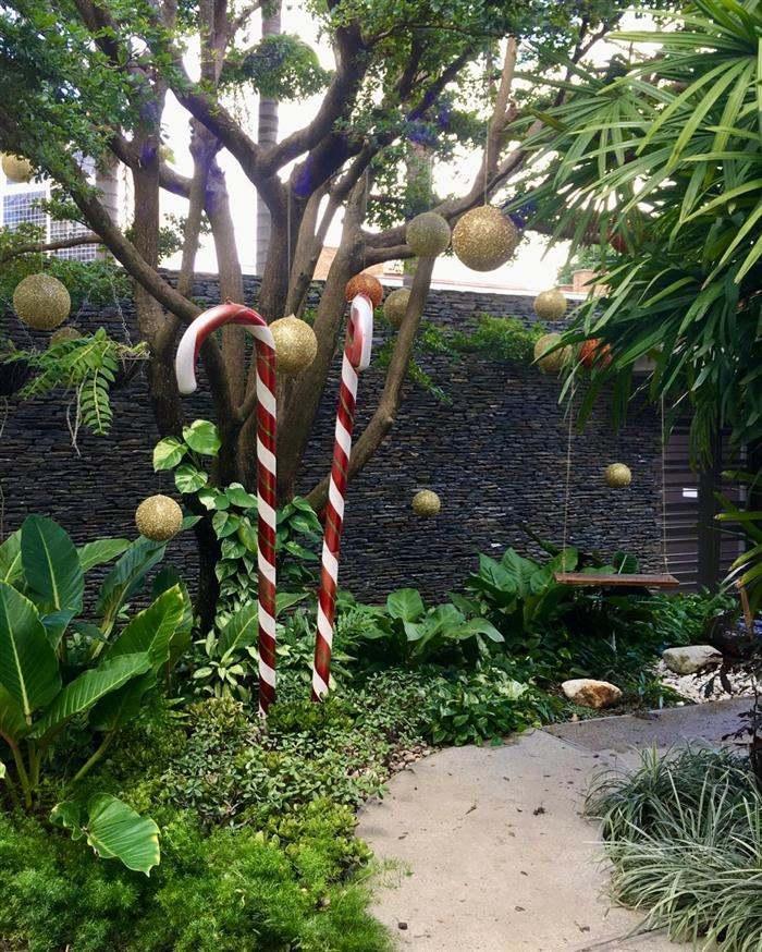 decoração de natal em jardim