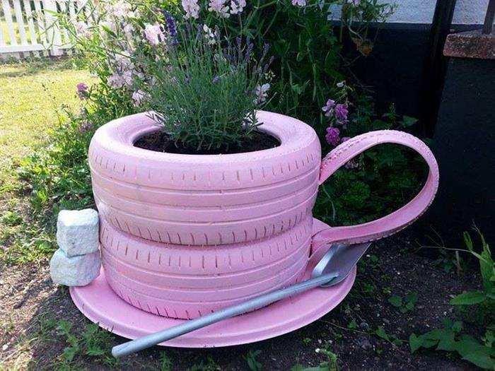 enfeites de jardim com pneus velhos