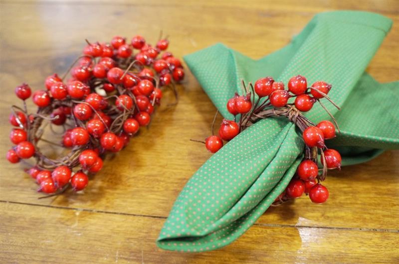 Porta guardanapo de Natal com frutinhas vermelhas