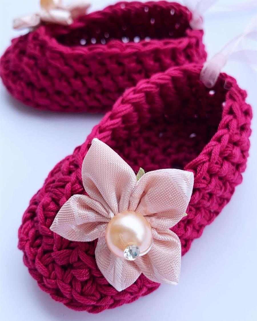 sapatinho de croche rosa