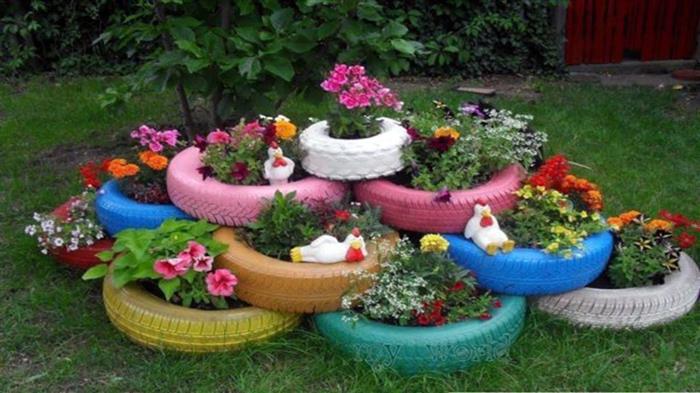 pneus coloridos com plantas