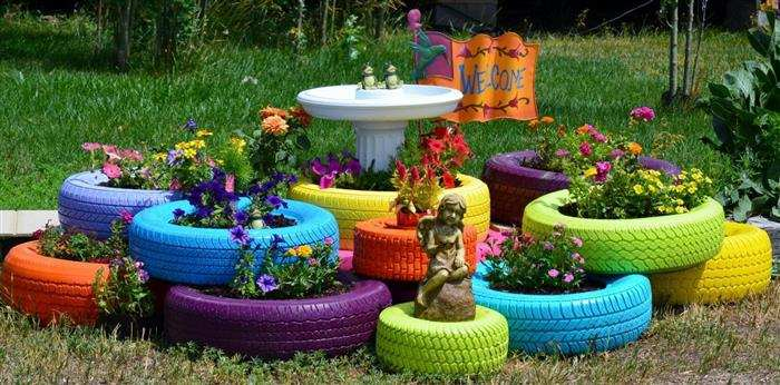 jardim com pneu colorido