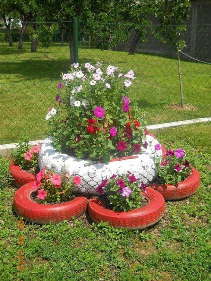 jardim com pneus velhos