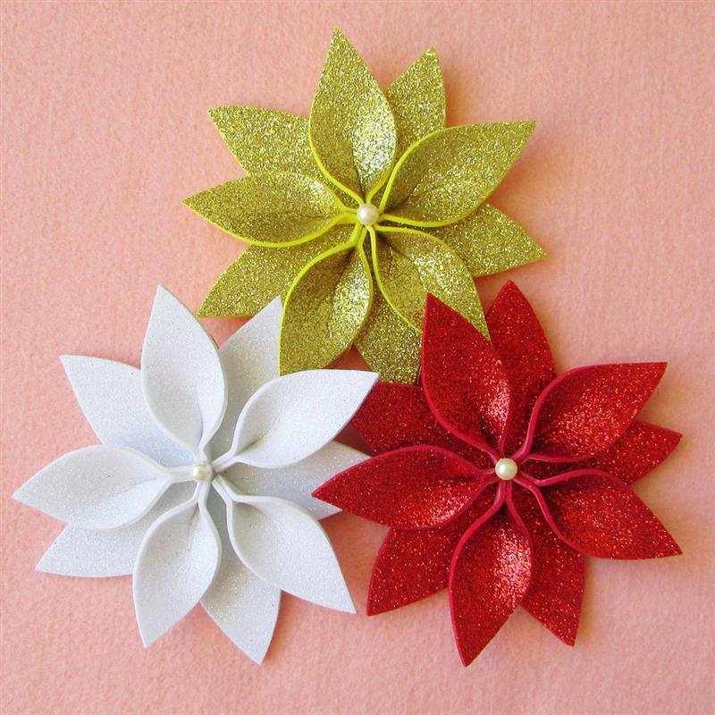 Flores natalinas em EVA com gliter