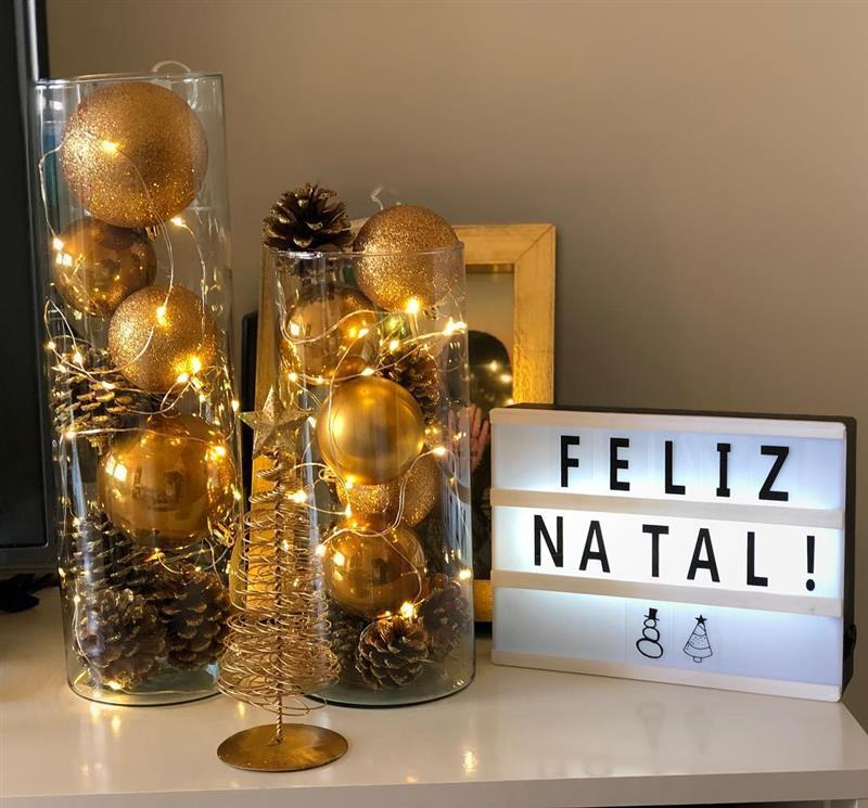Enfeites de Natal de bolas e vidros