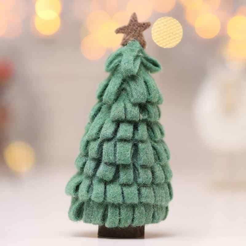 Modelo de árvore de Natal feita de feltro