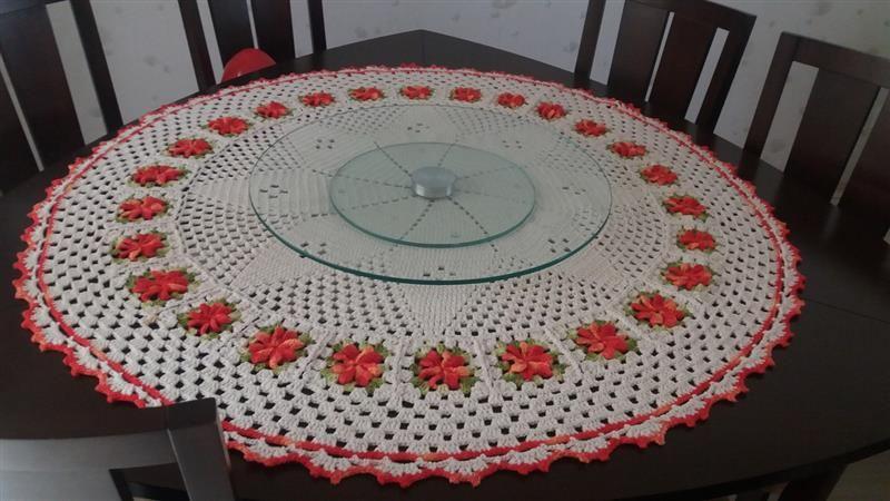 redonda com aplicação de flores