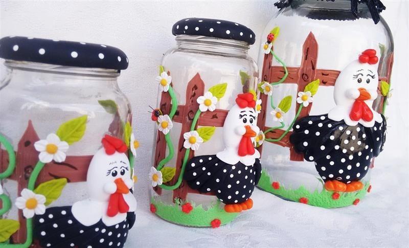 Potes de vidro decorados com biscuit