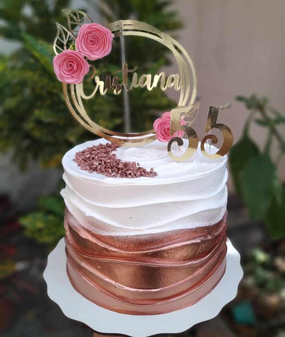 bolo rose gold com branco