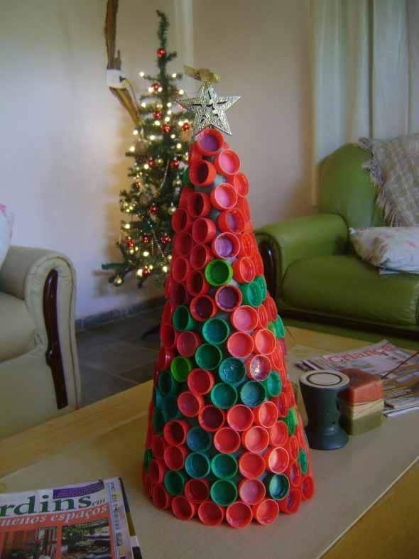 enfeites de Natal com tampinhas de garrafa PET