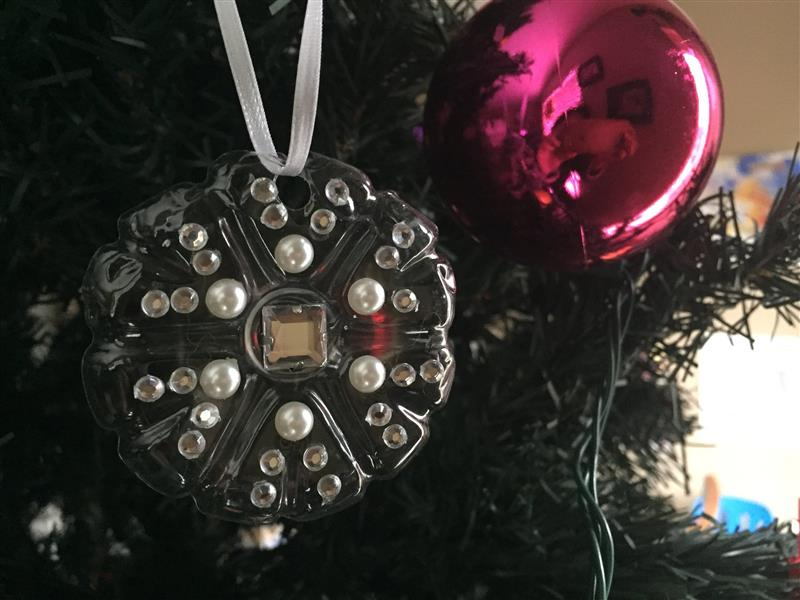 enfeite de Natal com fundo de garrafa PET