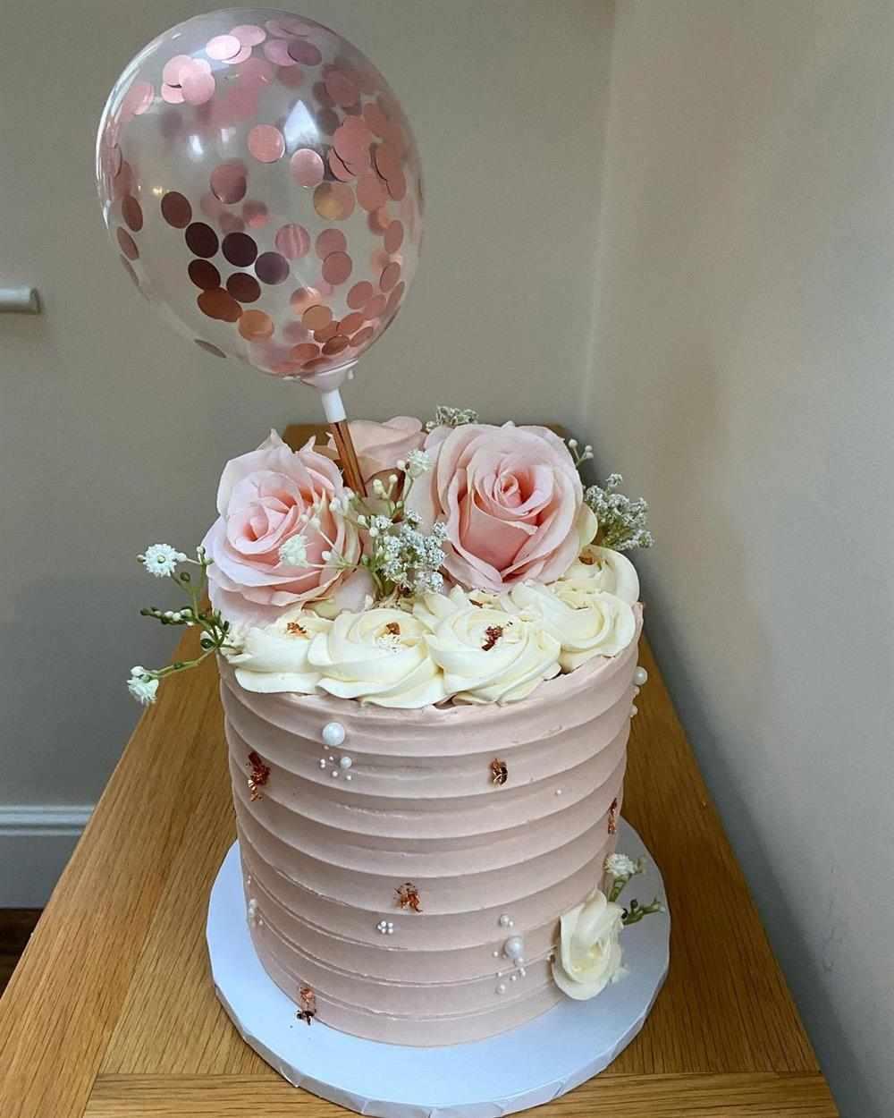 Bolo de aniversário rose gold