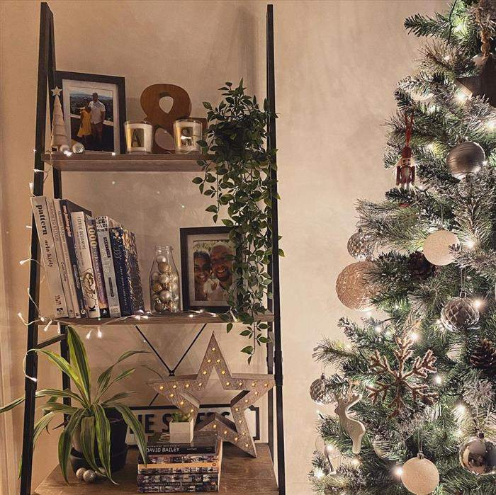 casa pequena decorada para o natal