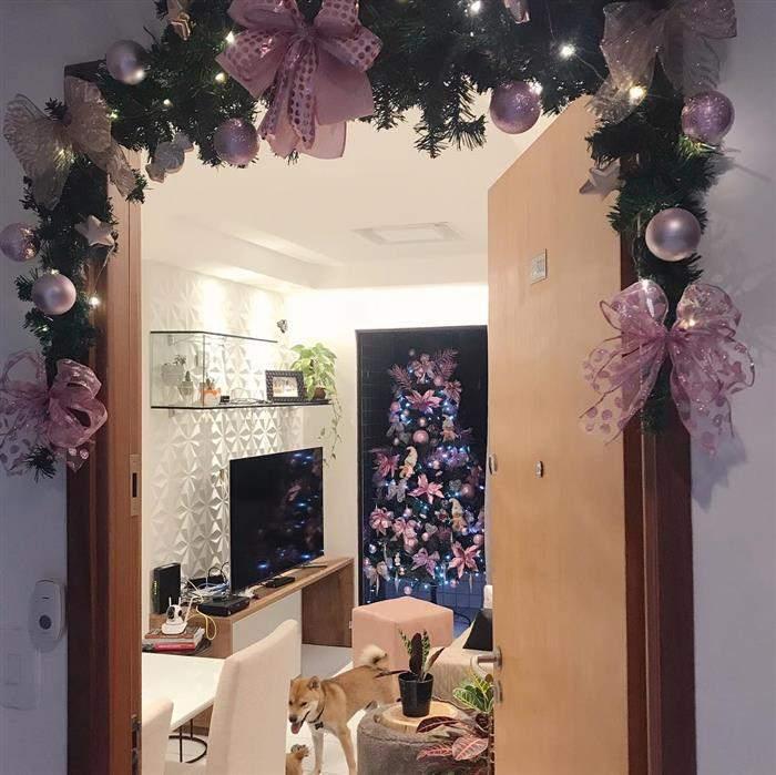 decoraçao rosa de natal com festão