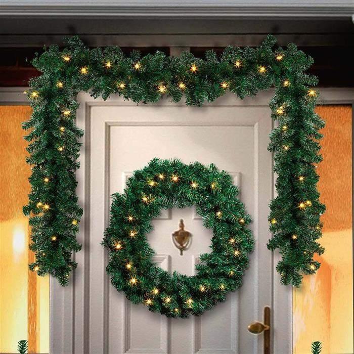 decoração simples de porta com festão