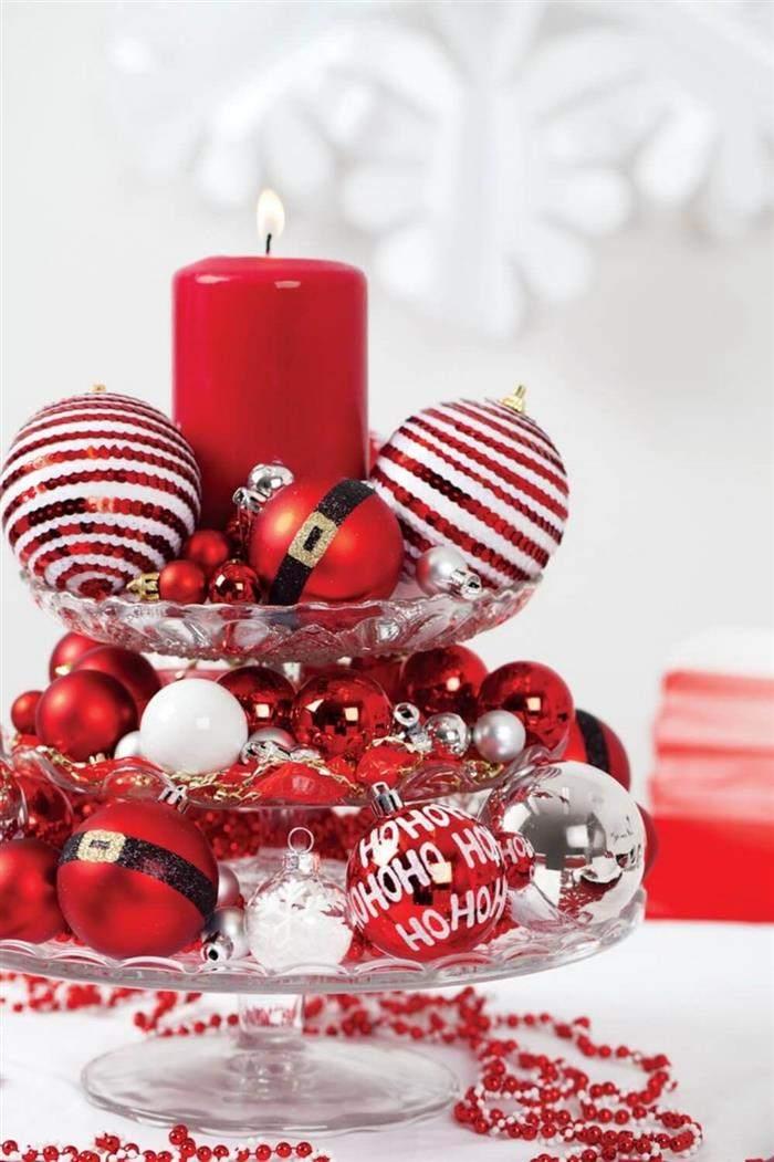enfeite com bolas natalinas