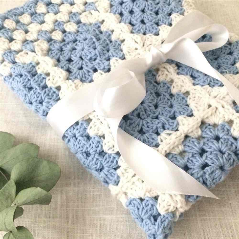 azul claro e branco