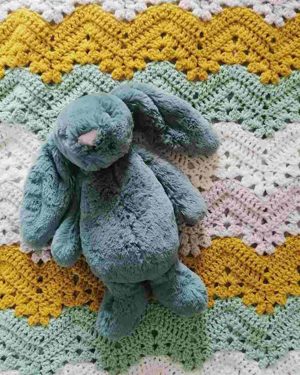tamanho de uma manta de croche para bebe