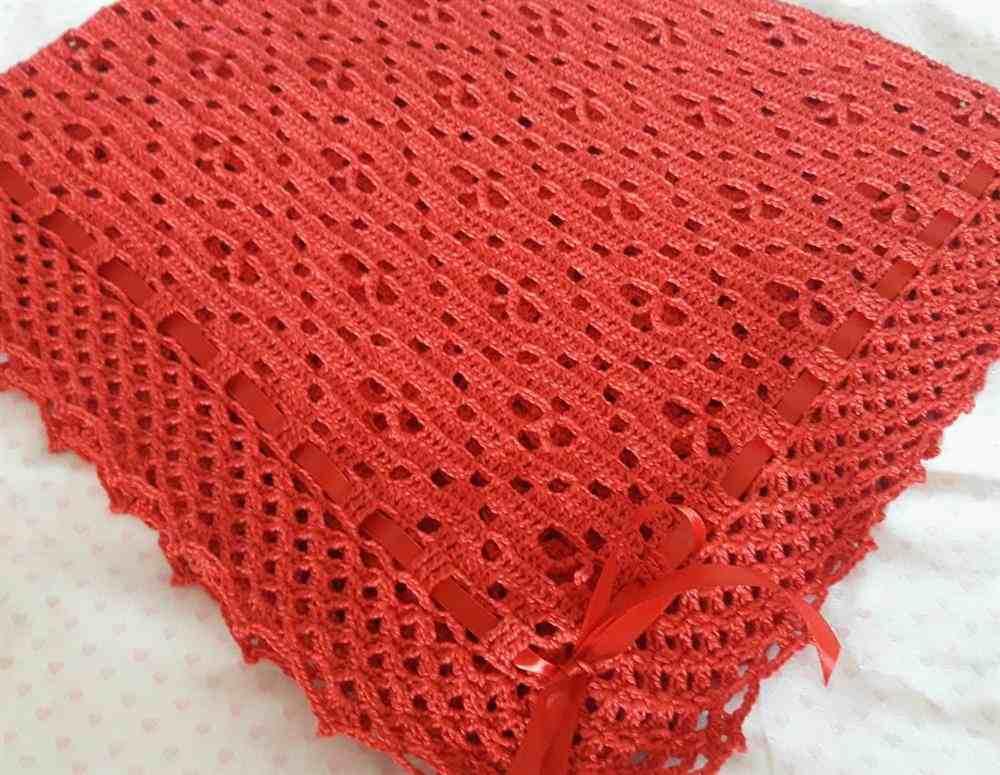 vermelha com fita de cetim