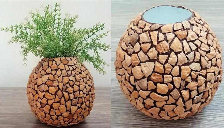 Vaso decorativo com casca de nozes