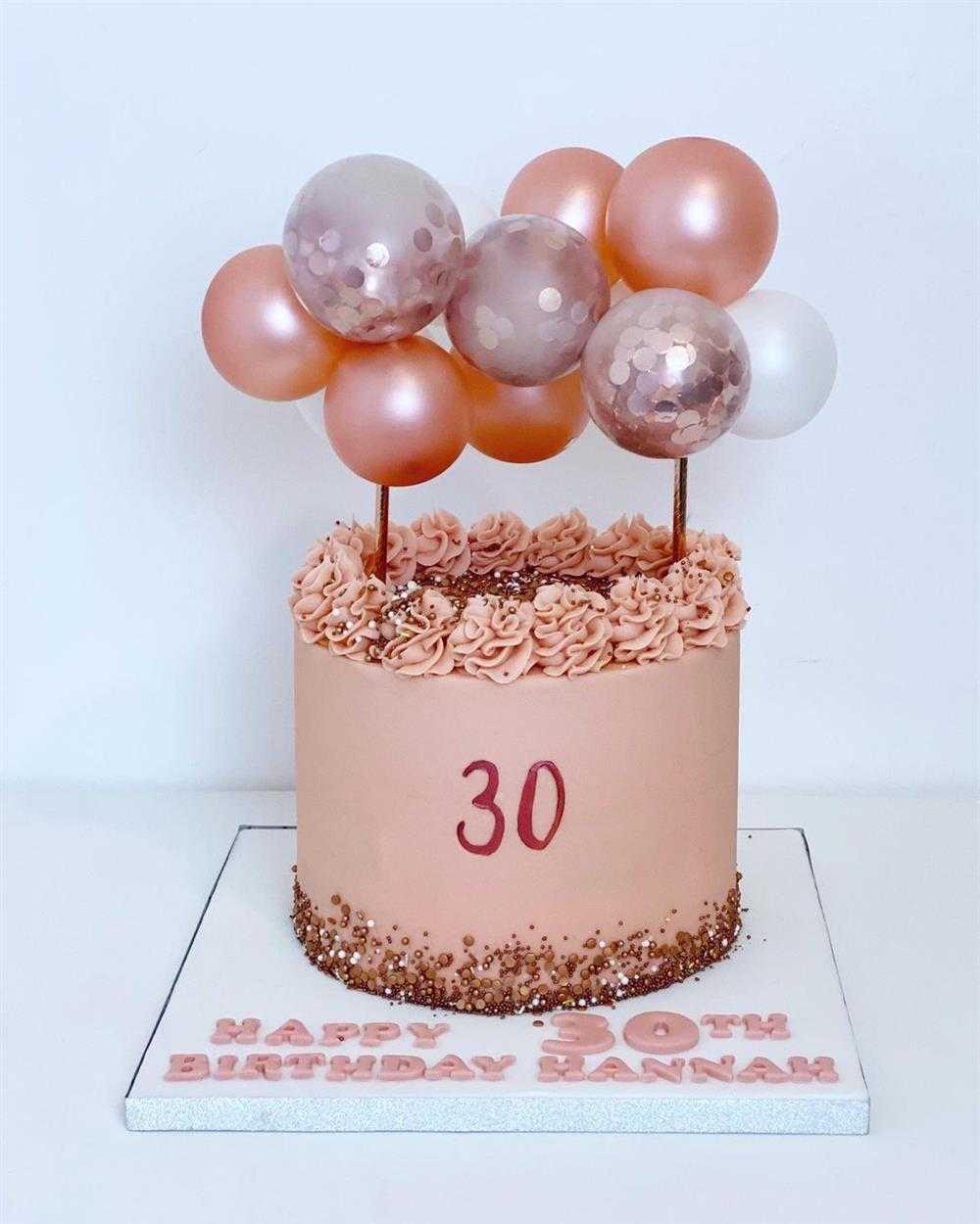 bolo rose gold30 anos