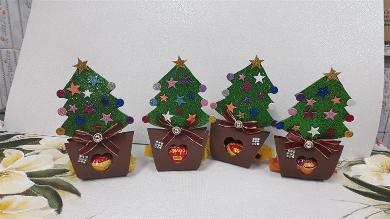 árvore de Natal de EVA com bombom