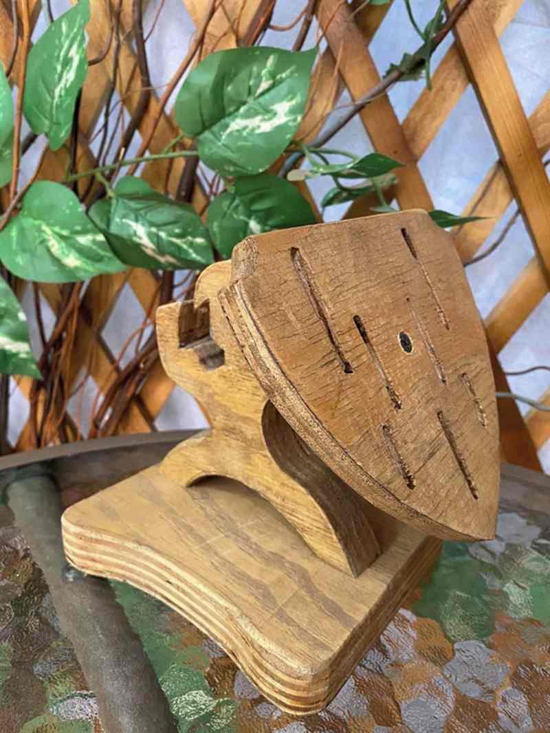 Faqueiro boneco gladiador com escudo
