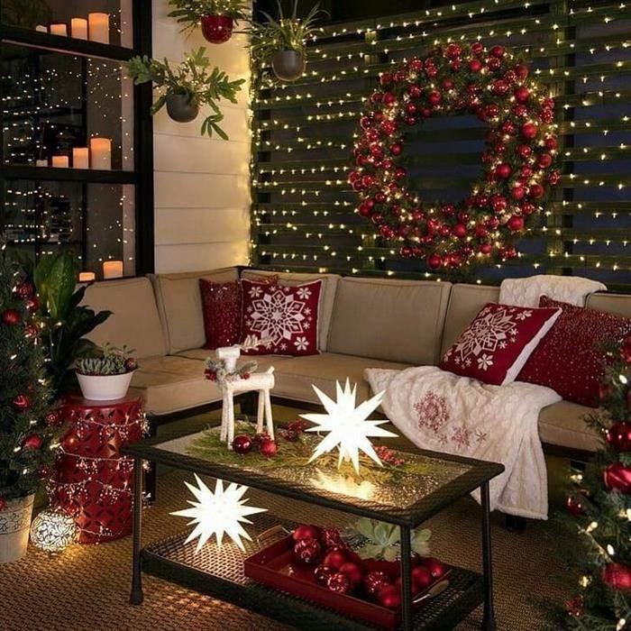 sofa com almofadas de natal