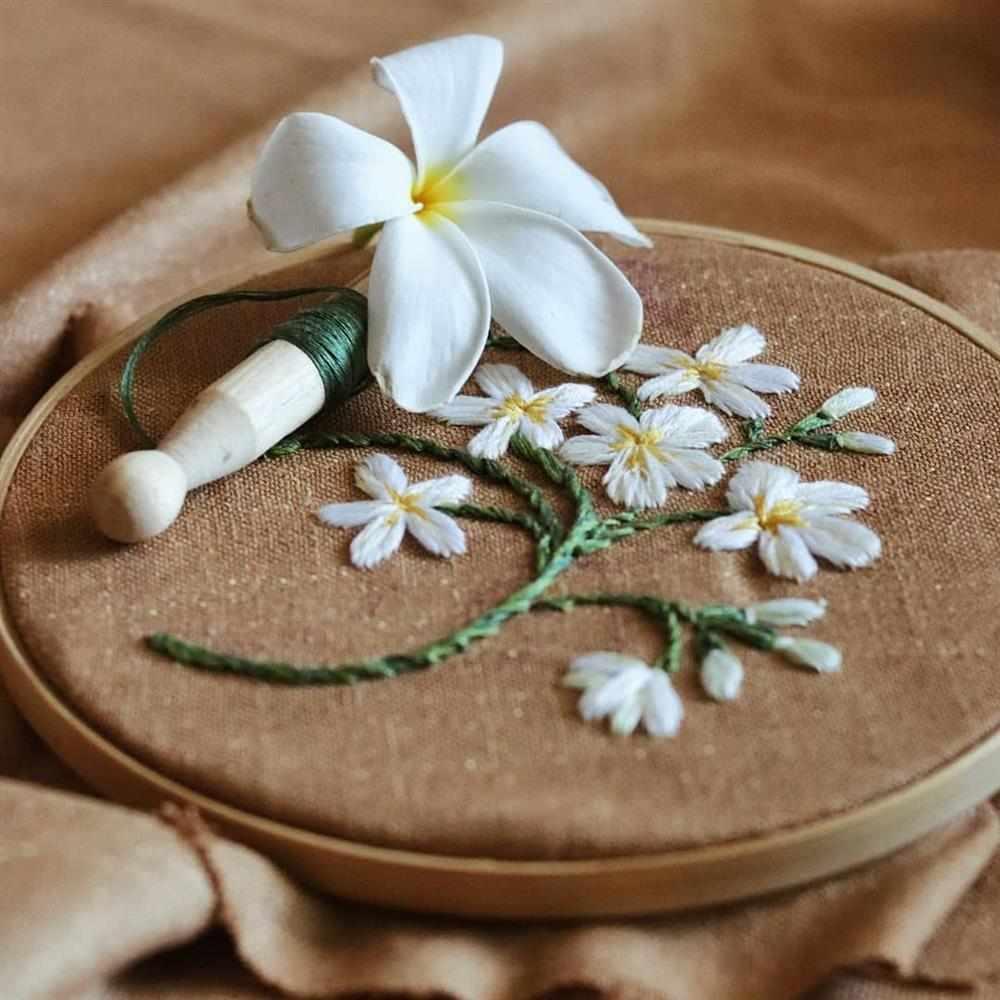 florzinhas bordadas