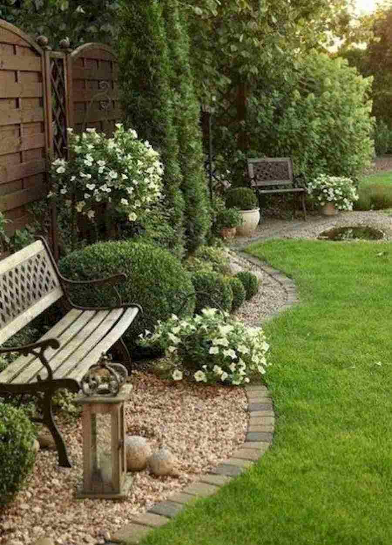 plantas e banquinho