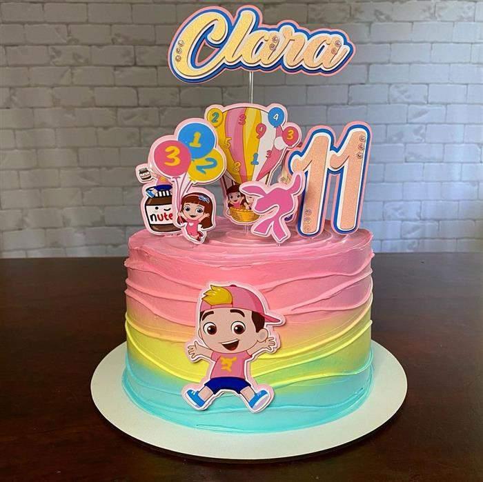 bolo luccas neto com duas cores