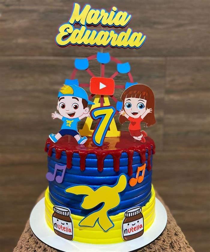 bolo luccas neto vermelho azul e amarelo