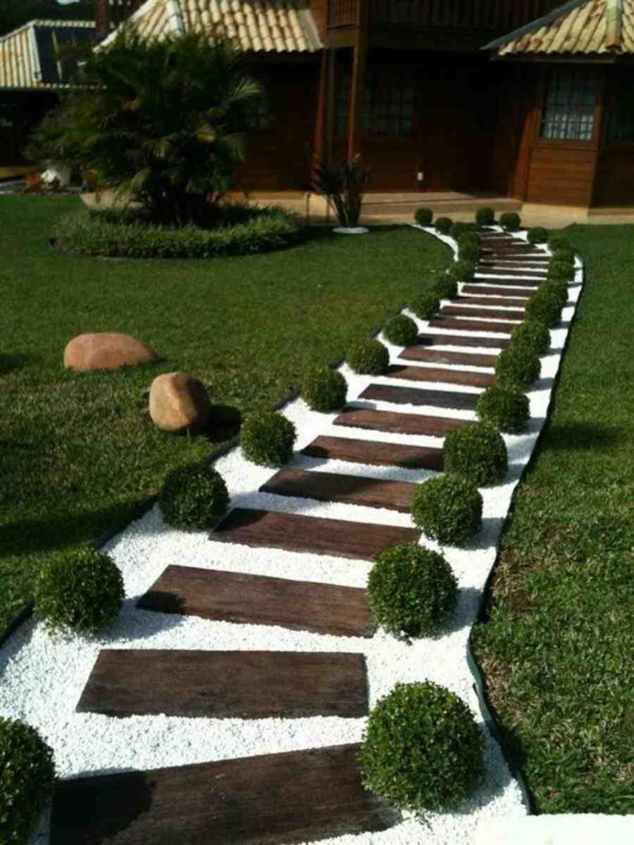 Caminho para jardim de madeira