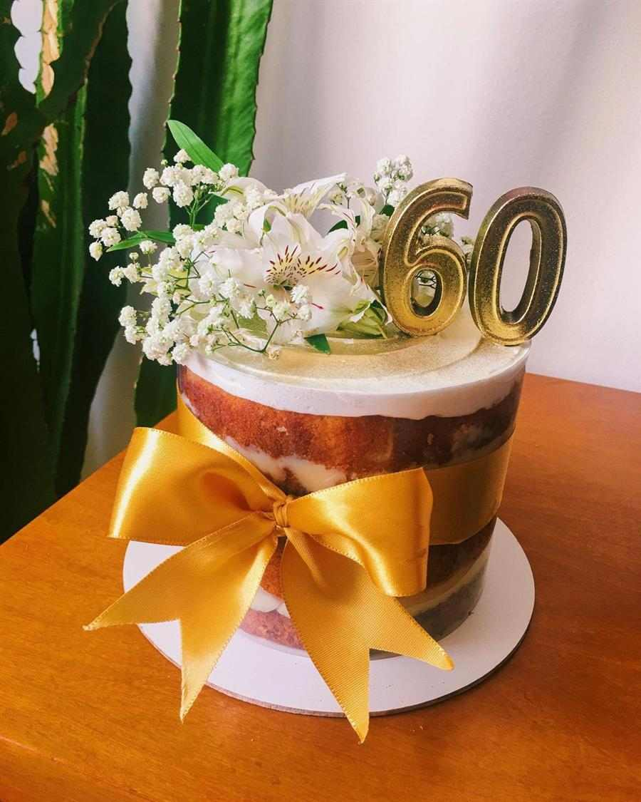 Bolo decorado 60 anos feminino acetato