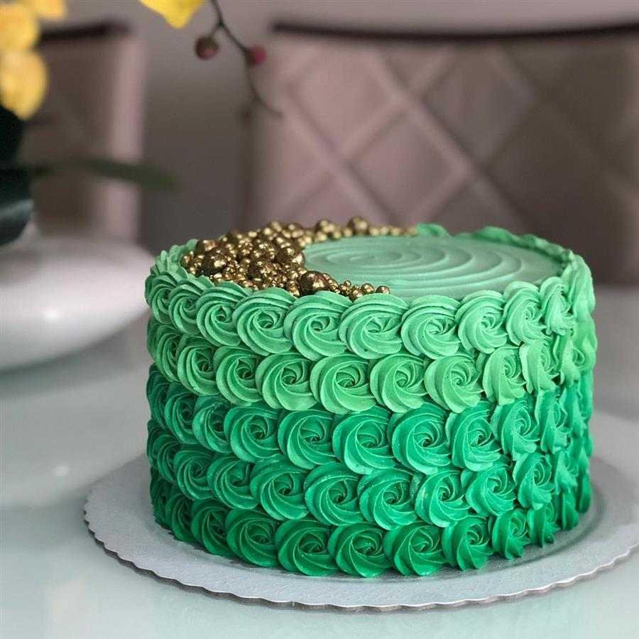 bolo decorado feminino rosetas
