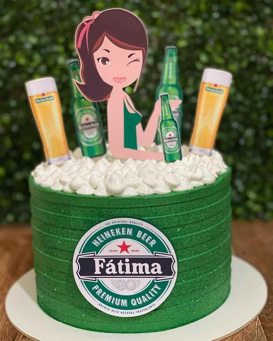 Bolo Heineken feminino