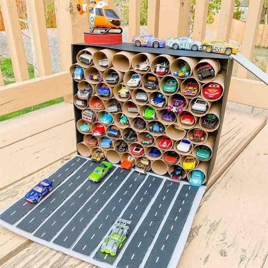 Garagem de carrinhos de brinquedo