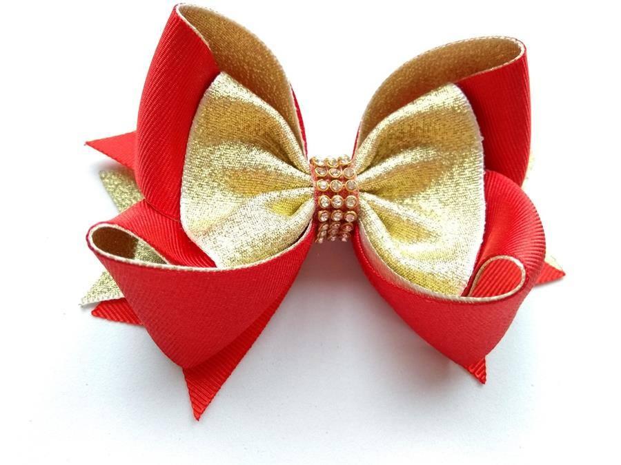 natalino com manta de strass dourada