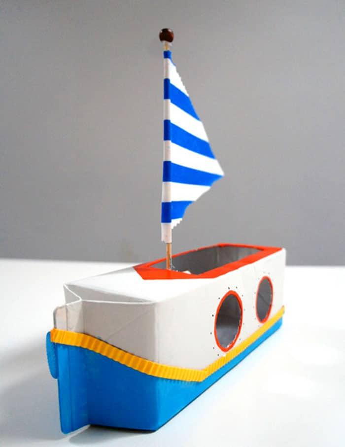 barco de caixa de leite