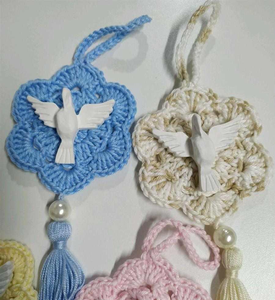 Mandala de crochê com Espírito Santo